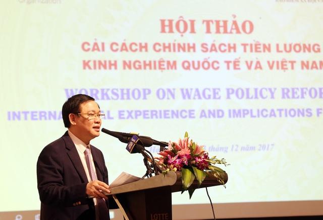 """Phó Thủ tướng Vương Đình Huệ gợi ý xem xét chủ trương quy định lương """"mềm như TPHCM đang áp dụng."""