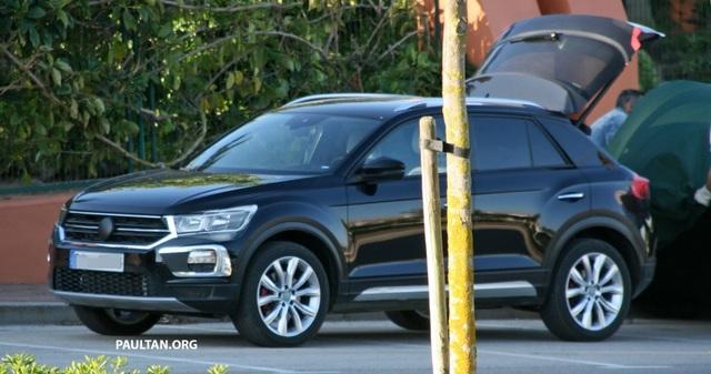 Volkswagen T-Roc chuẩn bị gia nhập phân khúc SUV cỡ nhỏ - 1