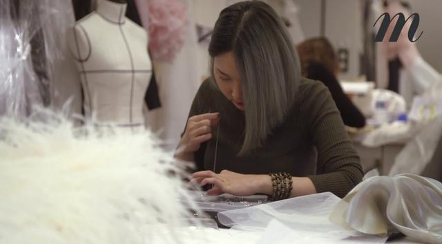 Cô gái bí ẩn này chính là Vy Nguyễn, cô bạn gái gốc Việt đa tài đang làm việc ở Paris, kinh đô thời trang nước Pháp.