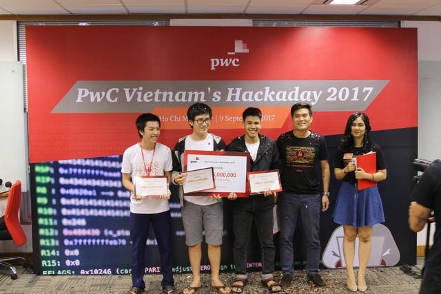 Đội L0s3r của trường ĐH Công nghệ Thông tin - ĐH Quốc Gia TP.Hồ Chí Minh giành giải nhất