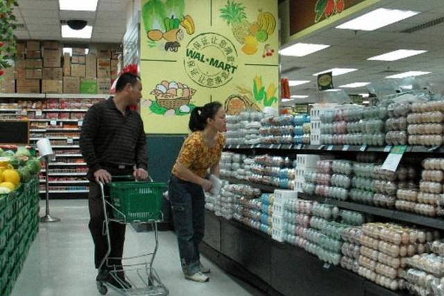 Ảnh minh họa bên trong một siêu thị Wal-Mart ở Trung Quốc. (Ảnh: Bloomberg)