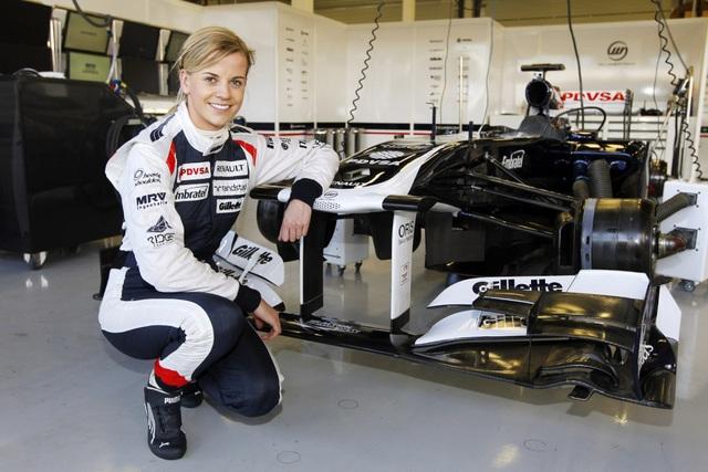 Susie Wolff là vợ của lãnh đạo đội đua Mercedes Formula 1 - Toto Wolff và bản thân cũng là một tay đua nữ có tiếng.