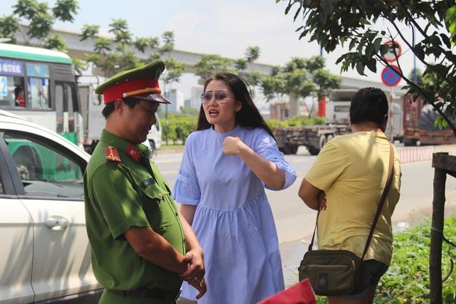 Nữ diễn viên trong phim Kiều nữ đại gia vi phạm chạy ô tô quá tốc độ trên xa lộ Hà Nội vào sáng 5/9.