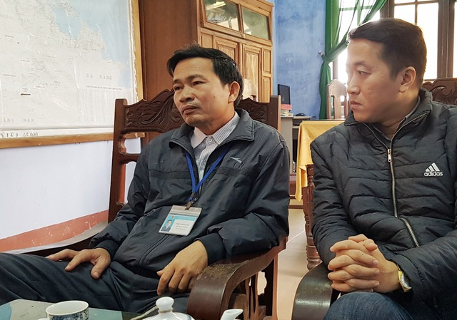 PV làm việc với ông Thái Văn Danh, Chủ tịch UBND xã Quảng Phú (trái)