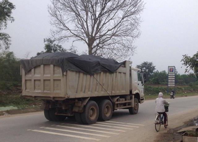 Xe quá tải đang là vấn đề gây bức xúc tại Quảng Bình. (Ảnh CTV)