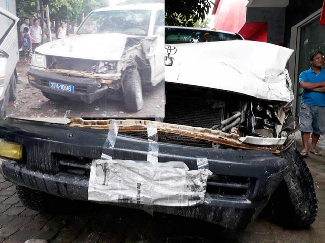 Xe ô tô đã bị dán kín biển và xe sau khi xảy ra va chạm (ảnh nhỏ)