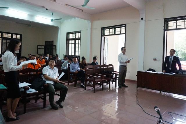 Phiên xét xử vụ kiện tranh chấp nghĩa vụ bảo hành trong hợp đồng mua bán tài sản giữa ông Phan Văn Thông và Công ty TNHH MTV Trường Hải Nghệ An