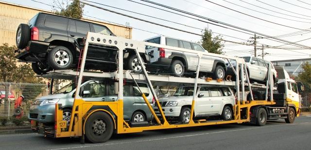 Xe ô tô nhập khẩu ồ ạt vào Việt Nam (ảnh minh hoạ)