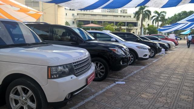 Thị trường xe cũ được nhận định sẽ tiếp tục đà giảm giá trong thời gian tới do sức ép giảm giá xe mới (ảnh Nguyễn Tuyền)