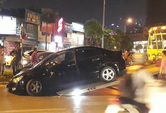Đến 19h30 cùng ngày, hiện trường vụ tai nạn đã được giải phóng (Ảnh: Nguyễn Dương).