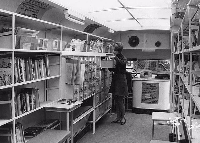 Hình ảnh về những chuyến xe chở sách của một thời dĩ vãng - 4