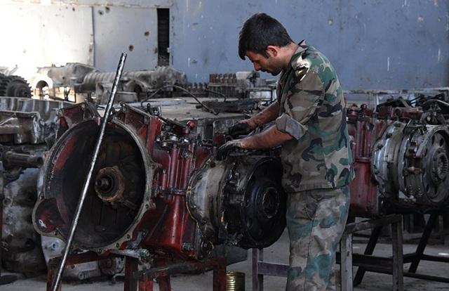 Các phương tiện quân sự như xe tăng đóng vai trò quan trọng trong các cuộc chiến chống nhóm nổi dậy và khủng bố của chính phủ Syria.