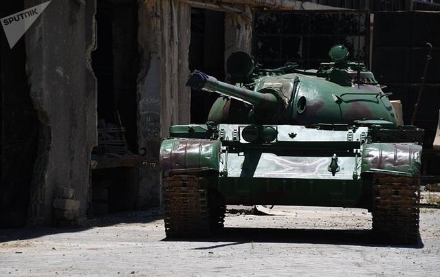 Một xe tăng chiến đấu T-55 sau khi được tu sửa.