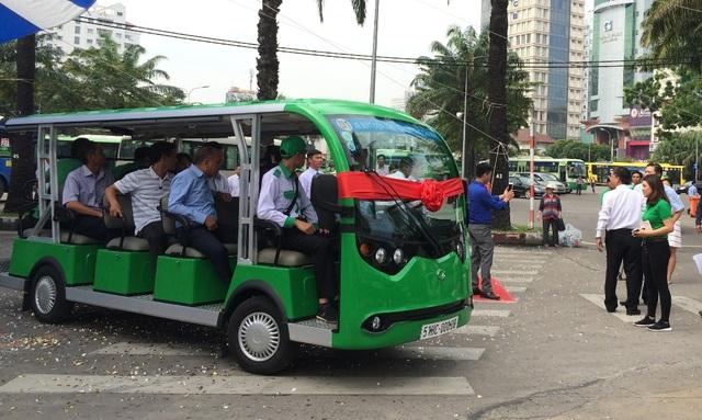 Xe buýt điện chạy khu vực trung tâm thành phố đáp ứng nhu cầu vui chơi, tham quan của du khách
