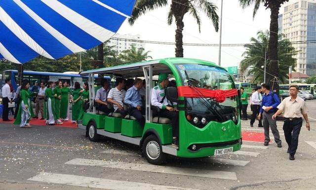 Xe buýt điện 12 chỗ ngồi hoạt động khu vực trung tâm thành phố sẽ hấp dẫn khách du lịch