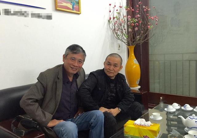 NSƯT Xuân Hinh với đạo diễn Phạm Đông Hồng. Ảnh: TL.
