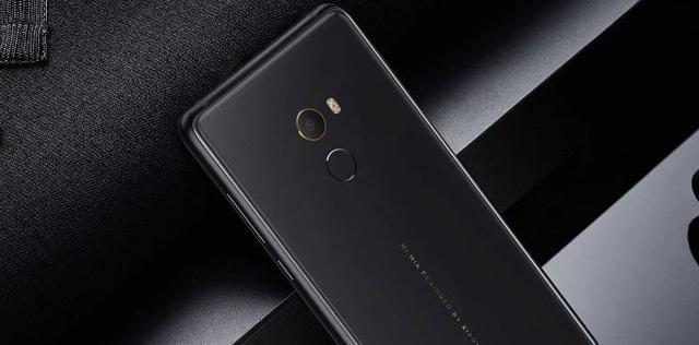 Chiếc smartphone cao cấp Mi Mix 2 mới nhất của Xiaomi.