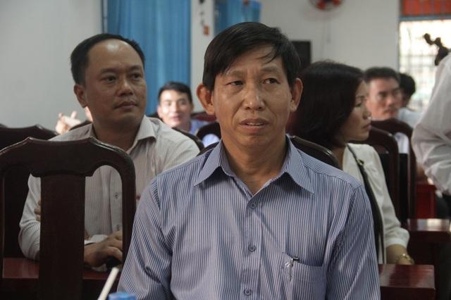 Ông Nguyễn Xuân Phú tại buổi xin lỗi.
