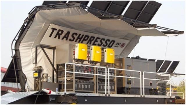 Trashpresso là một trung tâm tái chế bán linh hoạt, có thể biến phế thải nhựa và vải thành gạch ngói.