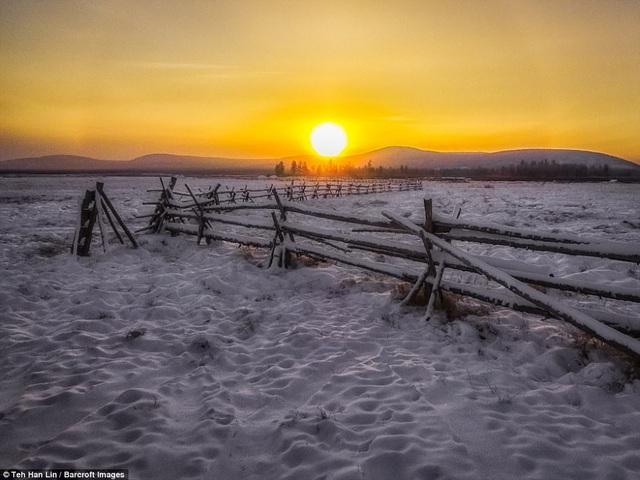 Ở vùng đất khắc nghiệt này, vào mùa đông, mặt trời chỉ chiếu sáng khoảng 3 tiếng