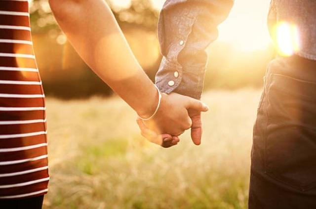 """""""Này em, cô gái đến sau: Lấy người mình yêu thương cũng đã là hạnh phúc"""" - 1"""
