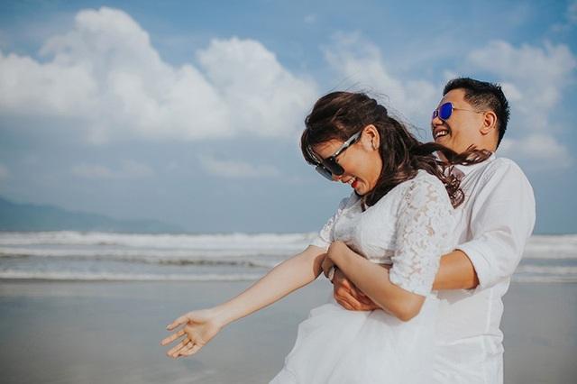 """Bảo Châu chia sẻ: """"Tình yêu của anh khiến mình thực sự cảm động. Trong suốt 3 năm đó anh vẫn giữ tình yêu ấy cho riêng mình mà thôi. Anh luôn quan tâm mình rất chu đáo""""."""