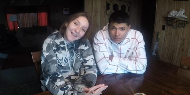 Cặp đôi đồng sở hữu kênh YouTube La MonaLisa chuyên đăng tải trò lừa và những nội dung giải trí khác.