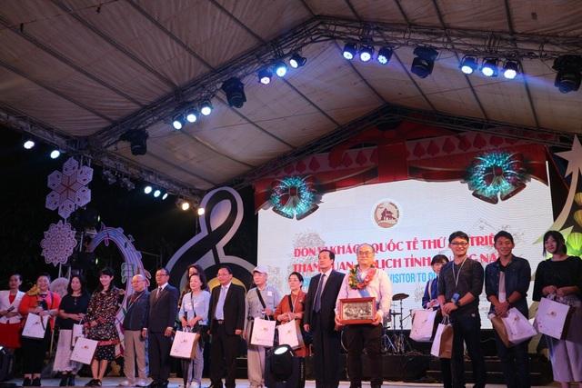 14 vị khách Nhật đến với tỉnh Quảng Nam trong đêm 31/12