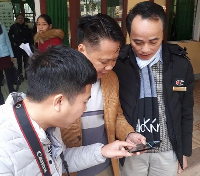 Phần mềm chấm thi trắc nghiệm trên smartphone được thầy Thỏa chia sẻ với tất cả giáo viên trong trường.