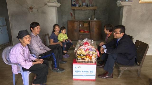 INAX thăm hỏi các em nhỏ  mắc bệnh tim  tại Thái Nguyên - 1