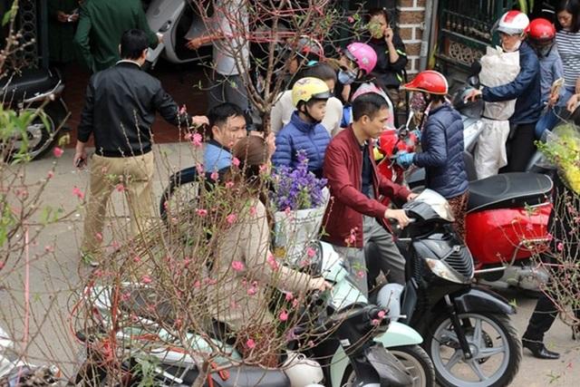Cứ đến Tết là người dân là rất mạnh tay cho các khoản chi tiêu. (Ảnh minh họa, nguồn: Kiến thức)