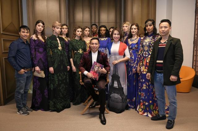 Truyền thông Pháp chú ý show áo dài dát vàng tại Paris Haute Couture - 11
