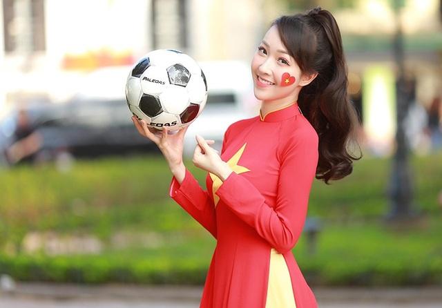 Nữ cổ động viên xinh đẹp của U23 Việt Nam - 10