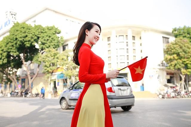 Nữ cổ động viên xinh đẹp của U23 Việt Nam - 12