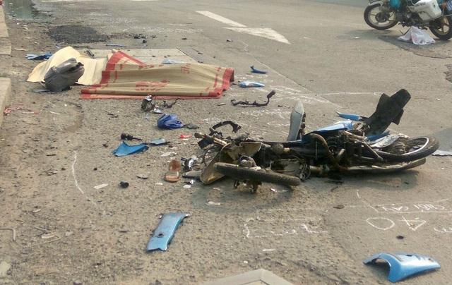 Tài xế xe đầu kéo tông chết cô gái trẻ rồi bỏ chạy - 1