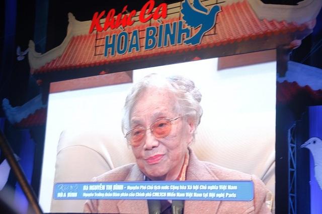 Bà Nguyễn Thị Bình chia sẻ về những mẩu chuyện trong quá trình đàm phán Hiệp định Paris 45 năm trước