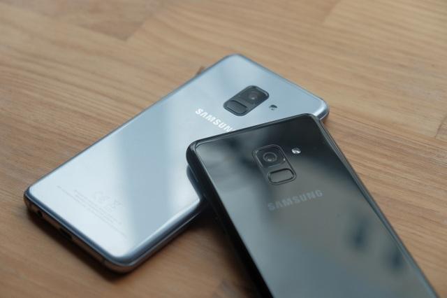 Thống kê mới nhất của Công ty dữ liệu quốc tế (IDC) cho thấy, Samsung tiếp tục là nhà sản xuất di động dẫn đầu thế giới với thị phần 22,3%. Bằng chiến lược thông minh về công nghệ và giá bán, bộ đôi Galaxy A8 và Galaxy A8+ được tin tưởng sẽ viết tiếp một năm vàng son cho phân khúc cận cao cấp nói riêng và toàn ngành di động nói chung.