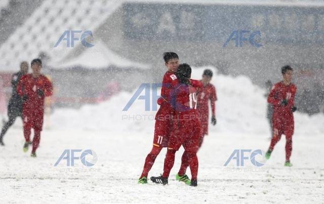 Choáng với mặt sân phủ đầy tuyết ở trận U23 Việt Nam - U23 Uzbekistan - 4