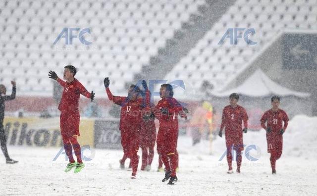 Choáng với mặt sân phủ đầy tuyết ở trận U23 Việt Nam - U23 Uzbekistan - 6