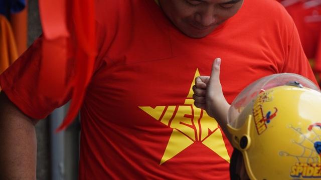 Việt Nam rực sắc đỏ trước trận chung kết U23 châu Á - 4