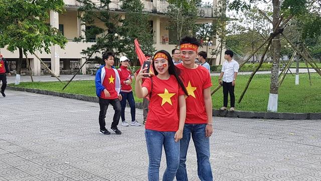 """Sinh viên """"tiếp lửa"""" cho đội tuyển U23 Việt Nam - 6"""