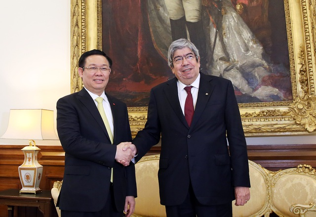 Phó Thủ tướng Vương Đình Huệ và Chủ tịch Quốc hội Bồ Đào Nha