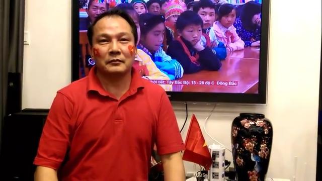 Ông Nguyễn Công Khanh - Cục trưởng Cục Hộ tịch, Quốc tịch và Chứng thực (Bộ Tư pháp) theo dõi tất cả những trận đấu vừa qua của U23 Việt Nam.