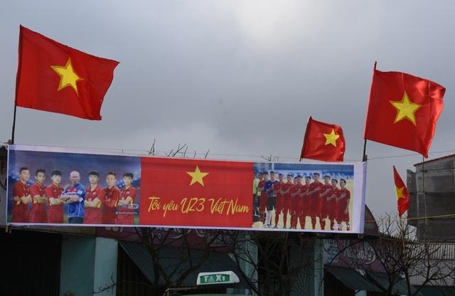 Không khí bóng đá ở một làng biển tại Hà Tĩnh (Ảnh: Văn Dũng)