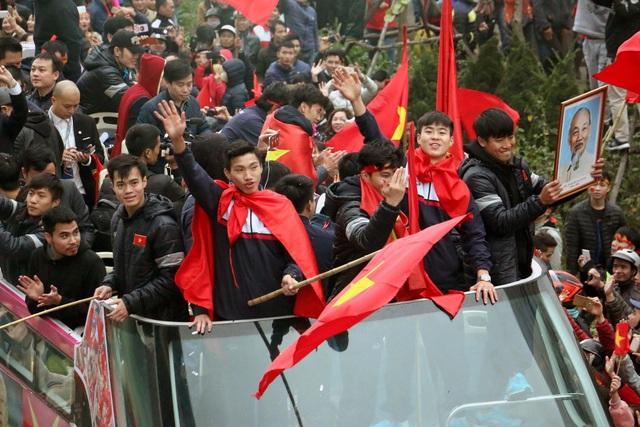 Những người hùng của bóng đá Việt Nam. (Ảnh: Tiến Nguyên)