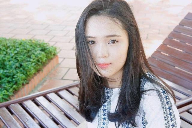 Đọ sắc bạn gái xinh đẹp của một số cầu thủ U23 Việt Nam - 6