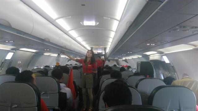 Hình ảnh toàn đội U23 Việt Nam trên chuyên cơ, chuẩn bị về sân bay Nội Bài lúc 12h