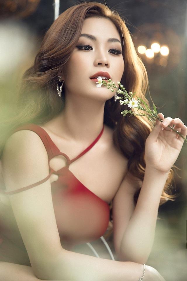 Á hậu Diễm Trang diện trang phục hở bạo dù đã qua một lần sinh nở - 4