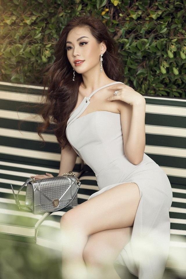 Á hậu Diễm Trang diện trang phục hở bạo dù đã qua một lần sinh nở - 1
