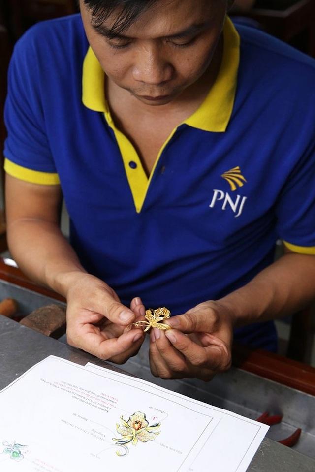 Là cái nôi đào tạo tay nghề cho người thợ kim hoàn, PNJ hiện sở hữu gần 1000 thợ kim hoàn lành nghề